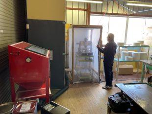 除湿機用除湿ロータの研磨機器の製造と研磨作業