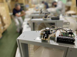 天吊り型除湿機の生産