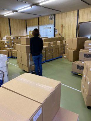 出荷代行サービス新製品の受け入れ作業