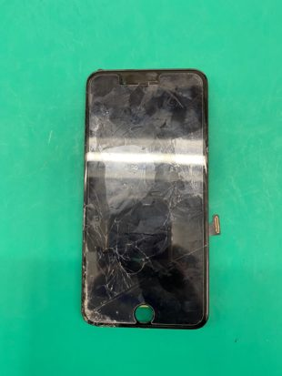 iPhone7Plusのパネル交換・バッテリー交換のご依頼を頂きました(松本市波田iPhone修理店)