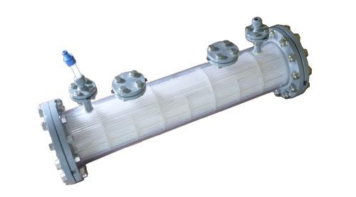 樹脂製熱交換器シェル&チューブ1