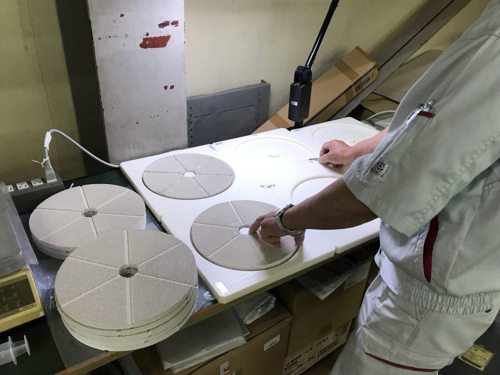 除湿用ハニカムローターの生産